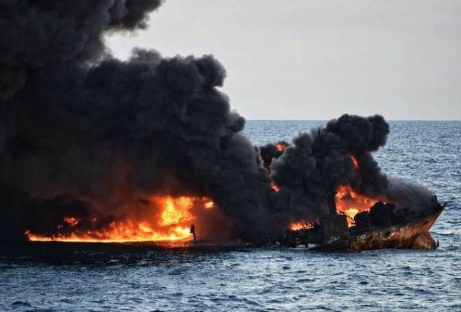 The burning oil tanker Sanchi emits smoke and flames as it burns at sea off the coast of eastern China, January 2018 (Photo credit IRNA)