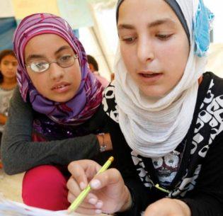 SyrianGirlsLearning