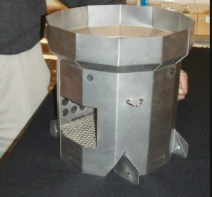 Researchers at the Lawrence Berkeley National Laboratory and University of California Berkeley students have made a new wood/biomass burning cookstove for internally displaced people in Darfur, Sudan. Manufactured locally by artisan metalworkers, it saves enough fuel so that the purchase price is affordable.