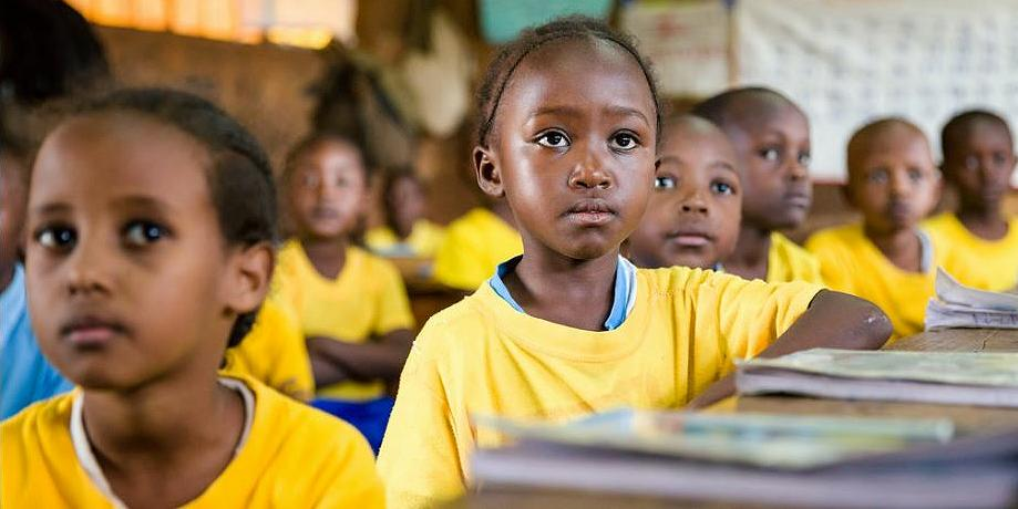 Students in a second grade classroom at Nyamachaki Primary School, Nyeri County, Kenya, April 2017 (Photo by Kelley Lynch / Global Partnership for Education) Creative Commons license via Flickr