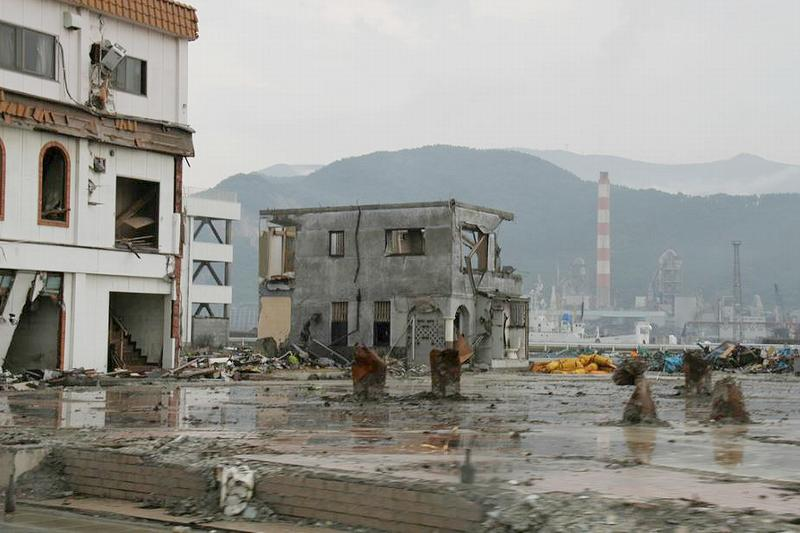 Flood damage to the city of Ōfunato, Iwate Prefecture, Japan caused by the 2011 tsunami that caused a meltdown at the coastal nuclear power plant in Fukushima, Japan. July 2011, (Photo by George Olcott) Creative Commons license via Flickr