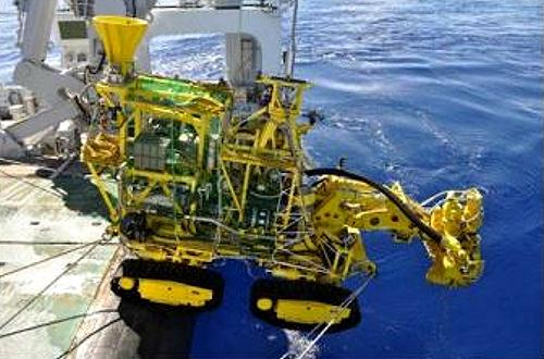 Japan Oil, Gas and Metals National Corporation (JOGMEC)'s experimental ore collector is launched from the deck of the organization's research vessel Hakurei. The equipment collected crushed polymetallic sulphides at a depth of 1,600 meters. These were lifted to a support vessel using submersible pumps and a riser pipe. Summer 2017 (Photo courtesy METI/JOGMEC via IUCN) Posted for media use.