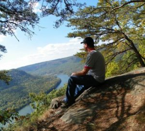 Overlooking the Tennessee River at Signal Mountain, October 18, 2016 (Photo by csm242000 Photography) Creative Commons license via Flickr.