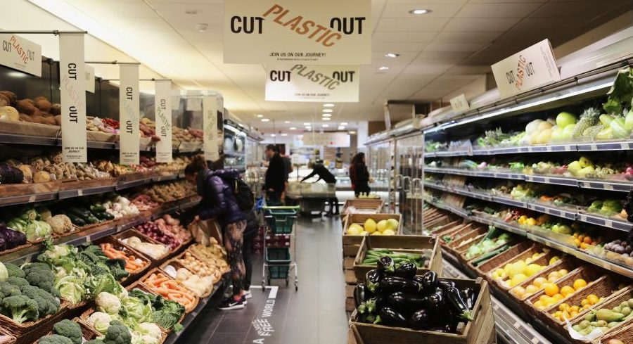 Plastic Free Zone at Thornton's Budgens showcases organic vegetables, 2018 (Photo courtesy Thornton's Budgens) Emailed for media use.