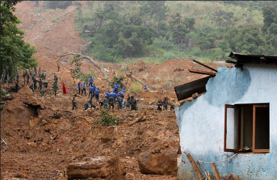 In the island nation of Sri Lanka, heavy rains caused a deadly mudslide that struck the Meeriyabedda tea plantation near the town of Haldummulla, about 200km (120 miles) east of the capital Colombo. Part of a mountainside crashed into the tea estate, burying workers' homes in mud and debris. October 29, 2014. (Photo by Vikalpa) Creative Commons license via Flickr.