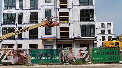 Leasing began this summer at Green on 4th, an apartment building in Minneapolis' Prospect Park neighborhood. Green on 4th features 243 apartments with energy-efficent appliances, located close to the METRO Green Line Light Rail near the University of Minnesota. August 3, 2018 (Photo by Tony Webster) Creative Commons license via Flickr.
