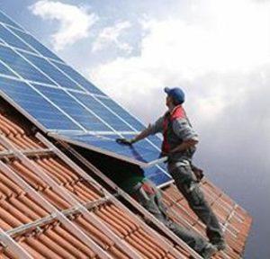 solarworkerroof2