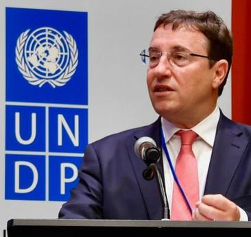 UN Development Programme Administrator Achim Steiner delivers his opening statement at a UNDP Executive Board session, New York, September 6, 2018 (Photo courtesy UNDP) Creative Commons license via Flickr