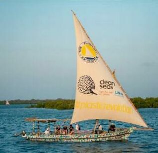 UNEP's Clean Seas project dhow, Flip-Flopi, clad in plastic made entirely from flip flops found on Kenya's beaches. (Photo courtesy UN Environment Programme) Posted for media use